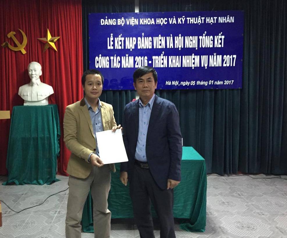 Lễ kết nạp đảng viên và Hội nghị tổng kết công tác năm 2016 - triển khai nhiệm vụ năm 2017