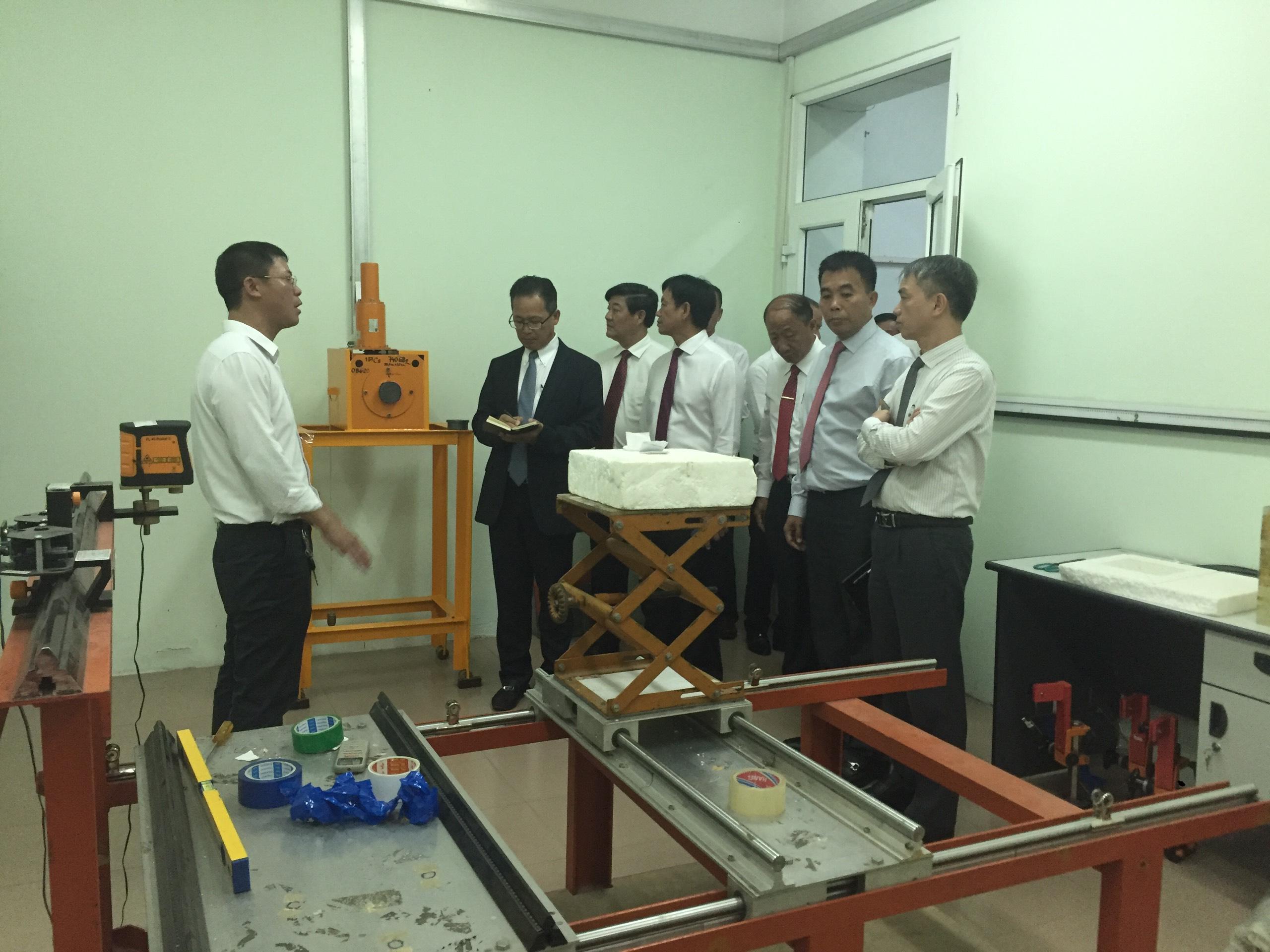 Viện Khoa học và Kỹ thuật hạt nhân đón tiếp và làm việc với Đoàn công tác Campuchia
