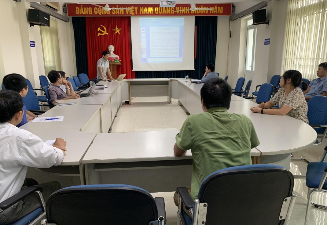 Đoàn thanh niên Viện Khoa học và Kỹ thuật hạt nhân chuẩn bị báo cáo cho Hội nghị Khoa học và công nghệ hạt nhân cán bộ trẻ ngành năng lượng nguyên tử lần thứ VI